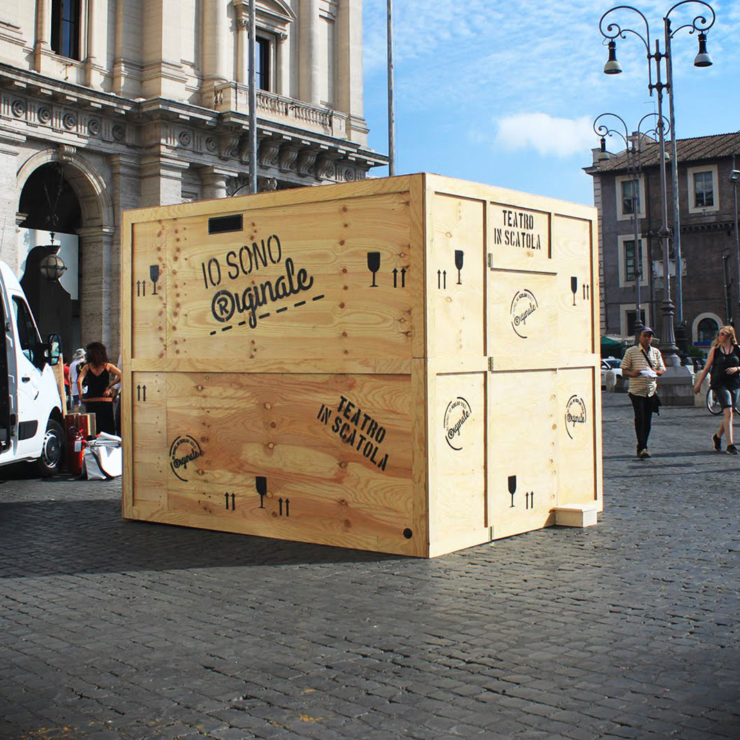 "Consumers' Movement: 40 Events ""Theater in a box"""